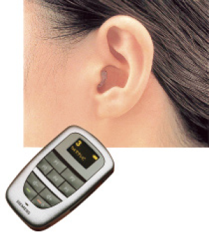 eyeware_hearingaids_photo06